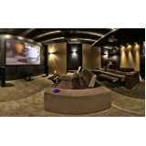 home theater planejado sala cinema Jacutinga
