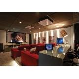 projeto de sala planejada com cinema para casa de luxo Holambra