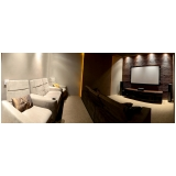 sala planejada com home theater Vinhedo